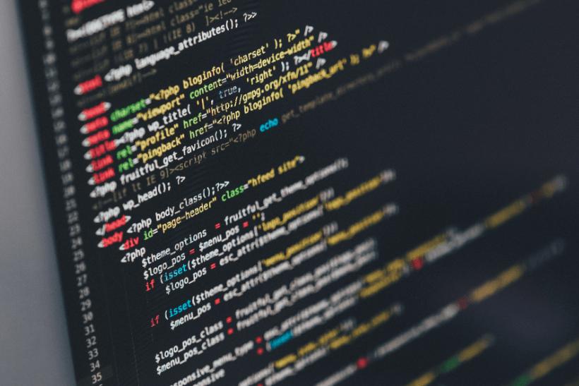 Webエンジニアが初心者おすすめの人気プログラミング編集ソフト「テキストエディタ」を紹介のメインビジュアル画像