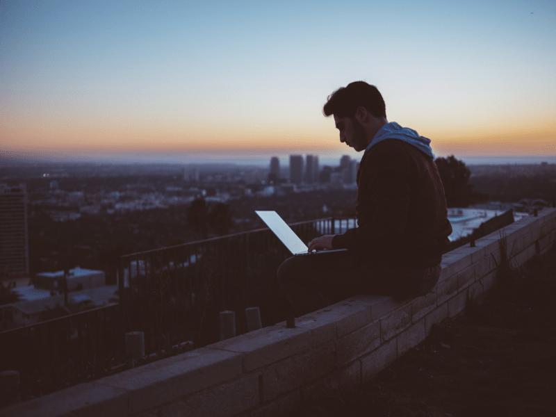 Webデザインをする環境でノートパソコンを選ぶ