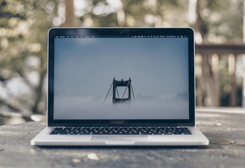 【2020年最新】Webデザイナーにおすすめのノートパソコンを徹底解説のメインビジュアル画像