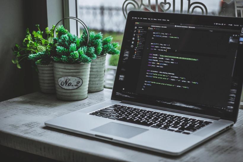 Webデザイナーはコーディングを覚えるべきなのか
